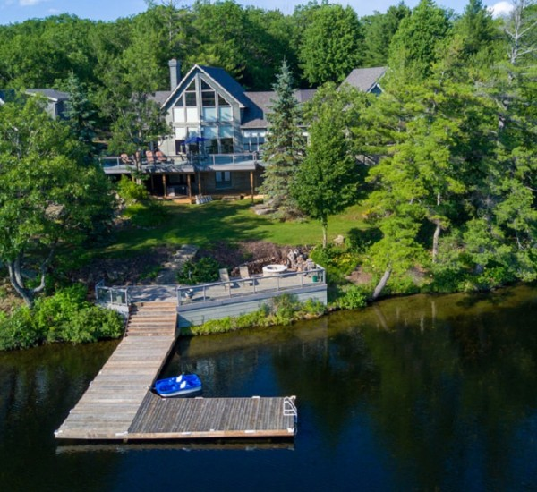 Private Family Compound in Gloucester Pool   114 Kings Farm Road