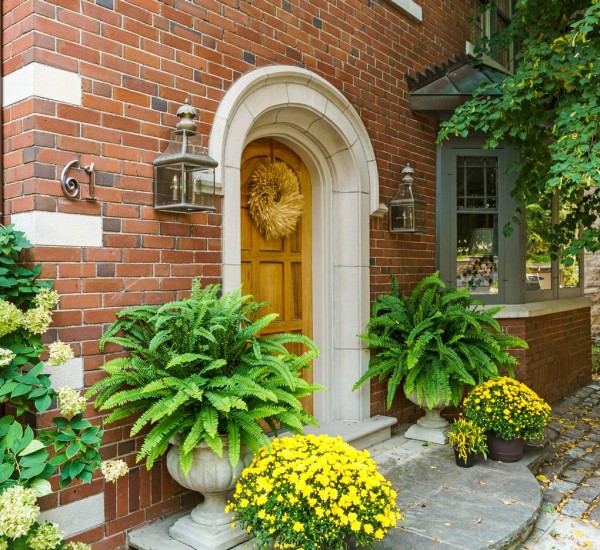 Special South Ravine Home in Rosedale   61 Roxborough Drive