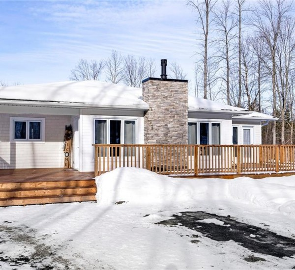 Serene Bungalow in Meaford | 141 26 OLD Highway